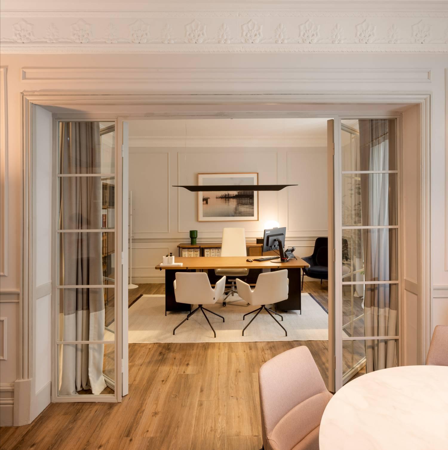 Momocca, mobiliario de diseño: interiorismo en una notaría en Bilbao 6