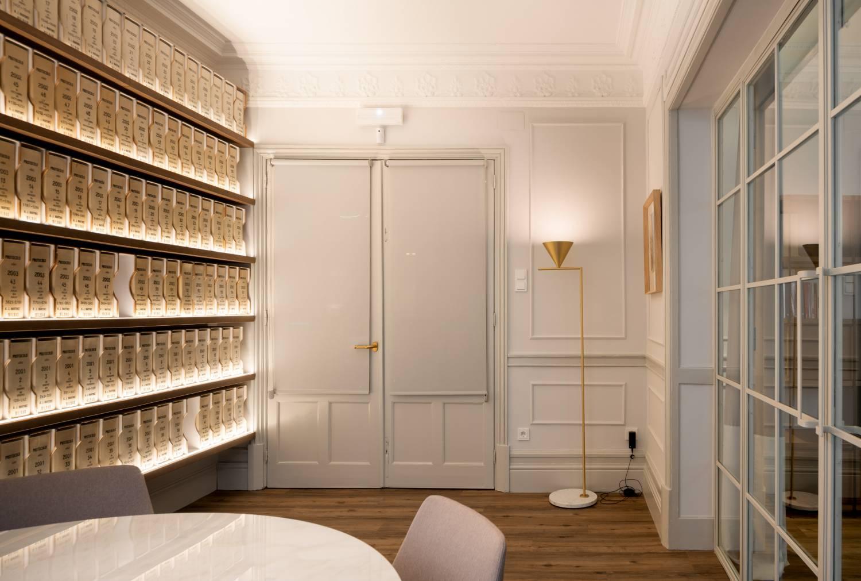 Momocca, mobiliario de diseño: interiorismo en una notaría en Bilbao 5