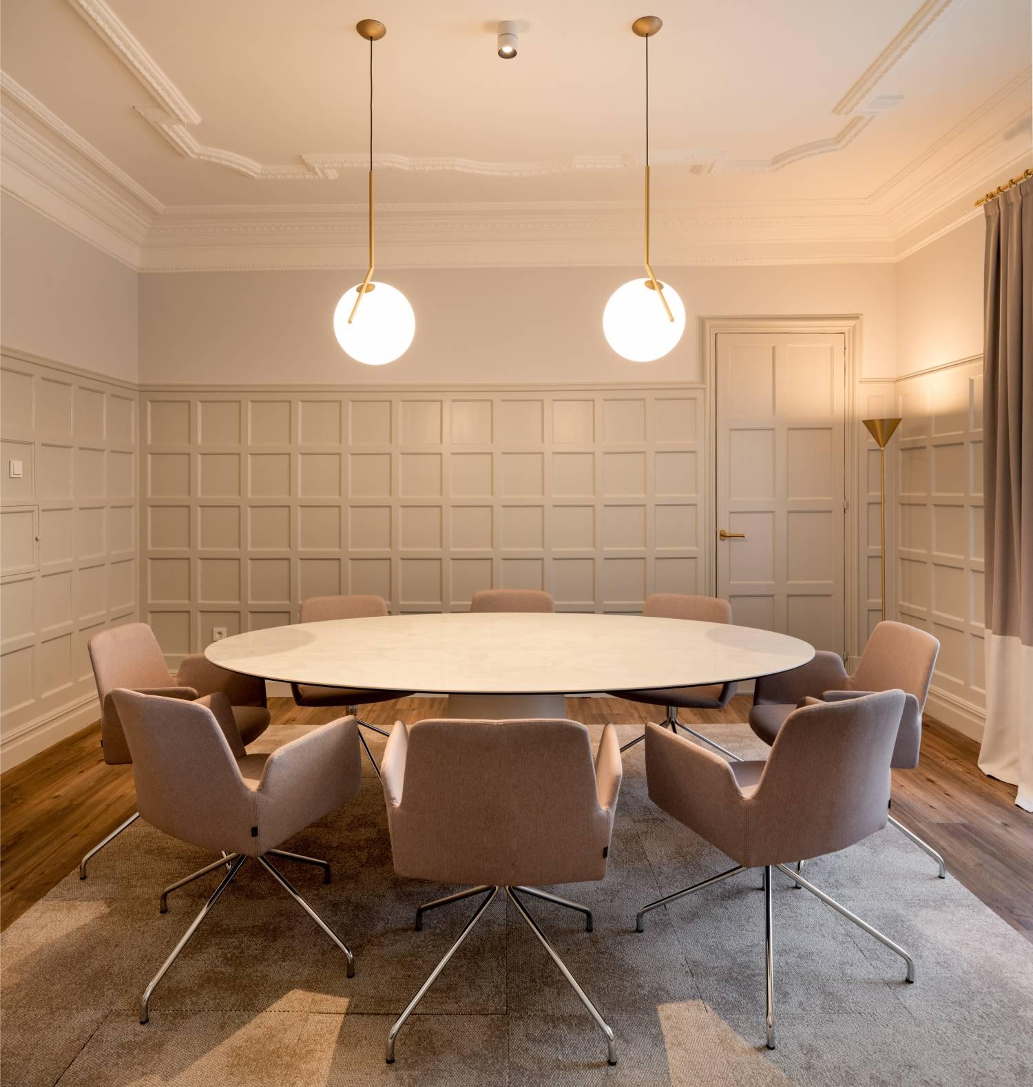 Momocca, mobiliario de diseño: interiorismo en una notaría en Bilbao 2