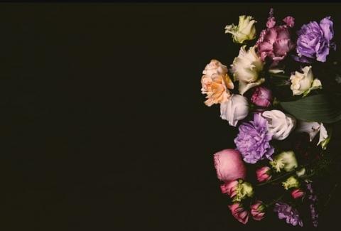 tipos de flores para difuntos y funerales 28