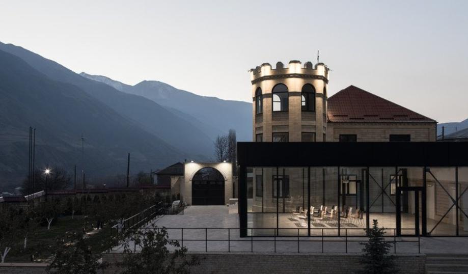 el centro de la inspiración de Khryug distrito de Akhtyn 1