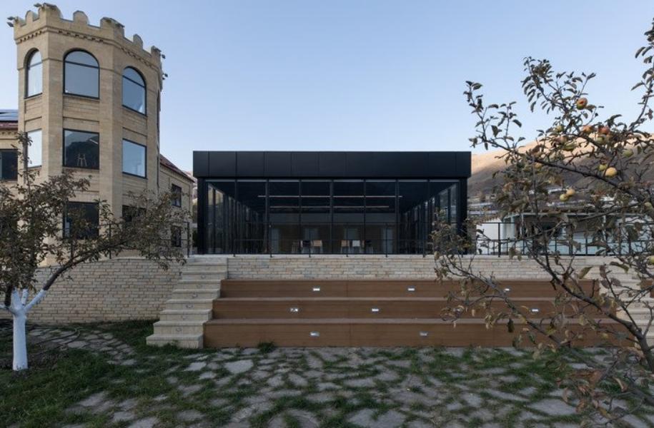 el centro de la inspiración de Khryug distrito de Akhtyn 3