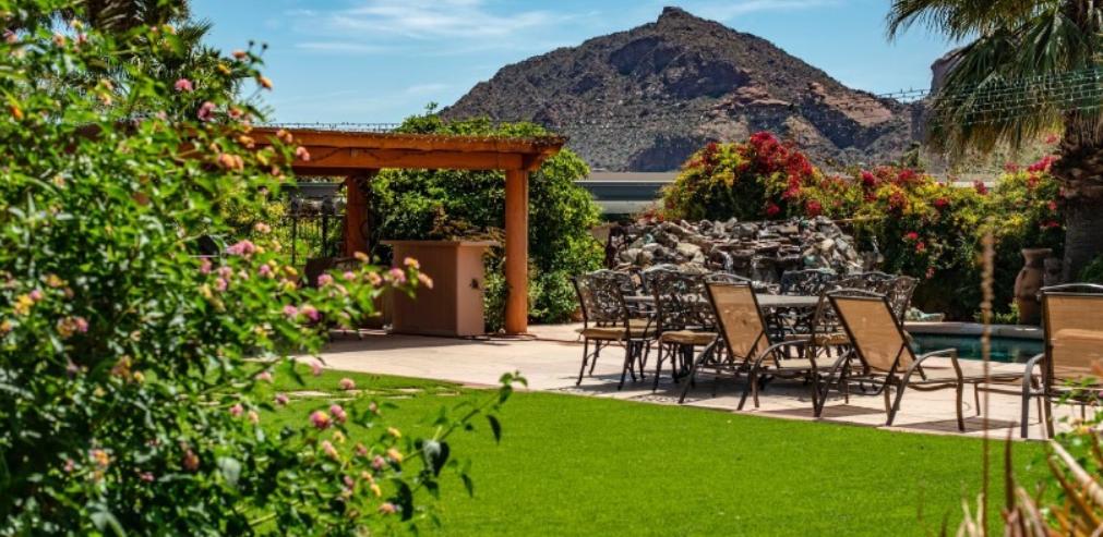Crea tu jardín con césped artificial 3